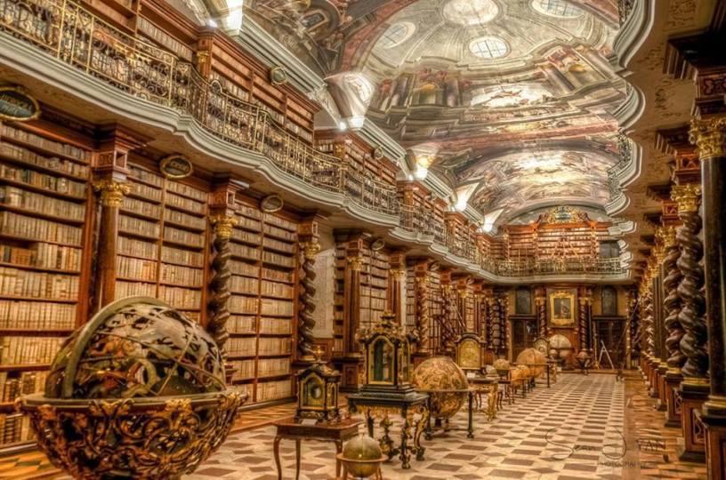 biblio Praga
