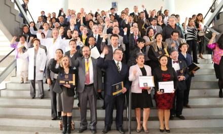 Vivir para los demás: profesores de la FM son reconocidos por su labor