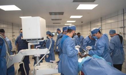 Se actualizan cirujanos de 12 especialidades en el FoMIQ 2018