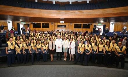 Se gradúa la segunda generación de fisioterapeutas de la UNAM