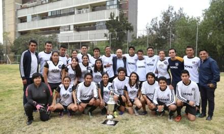 Gana #FacMed trofeo del clásico  contra la ENEO en futbol 7 varonil