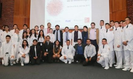 Alumnos se actualizan en Inmunología