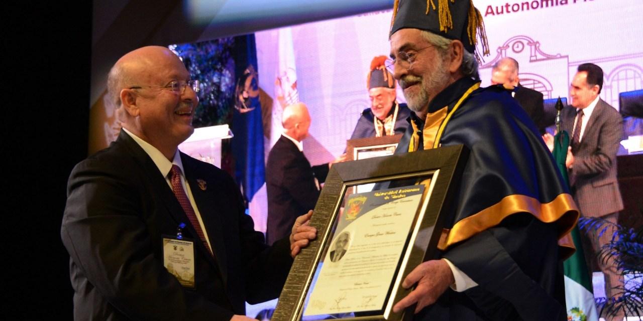 Enrique Graue recibe el grado de Doctor Honoris Causa por la UAS