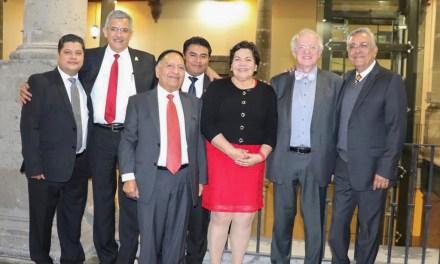 La Licenciatura de Médico Cirujano recibe reconocimiento de excelencia internacional