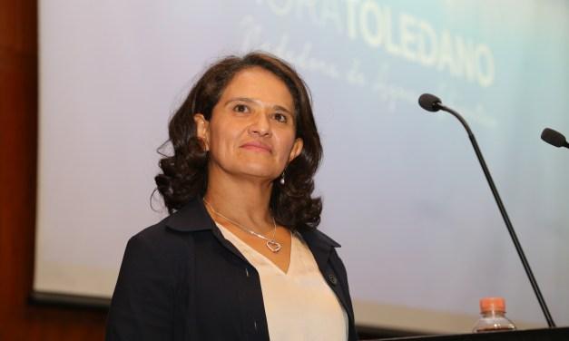 Nora Toledano, orgullo nacional, visitó la Facultad de Medicina