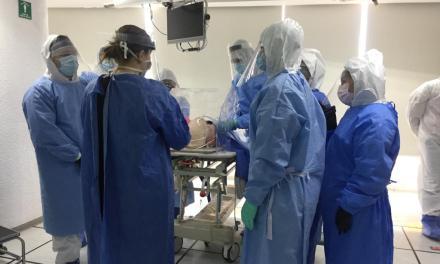 Se capacitan residentes en intubación endotraqueal en pacientes con COVID-19