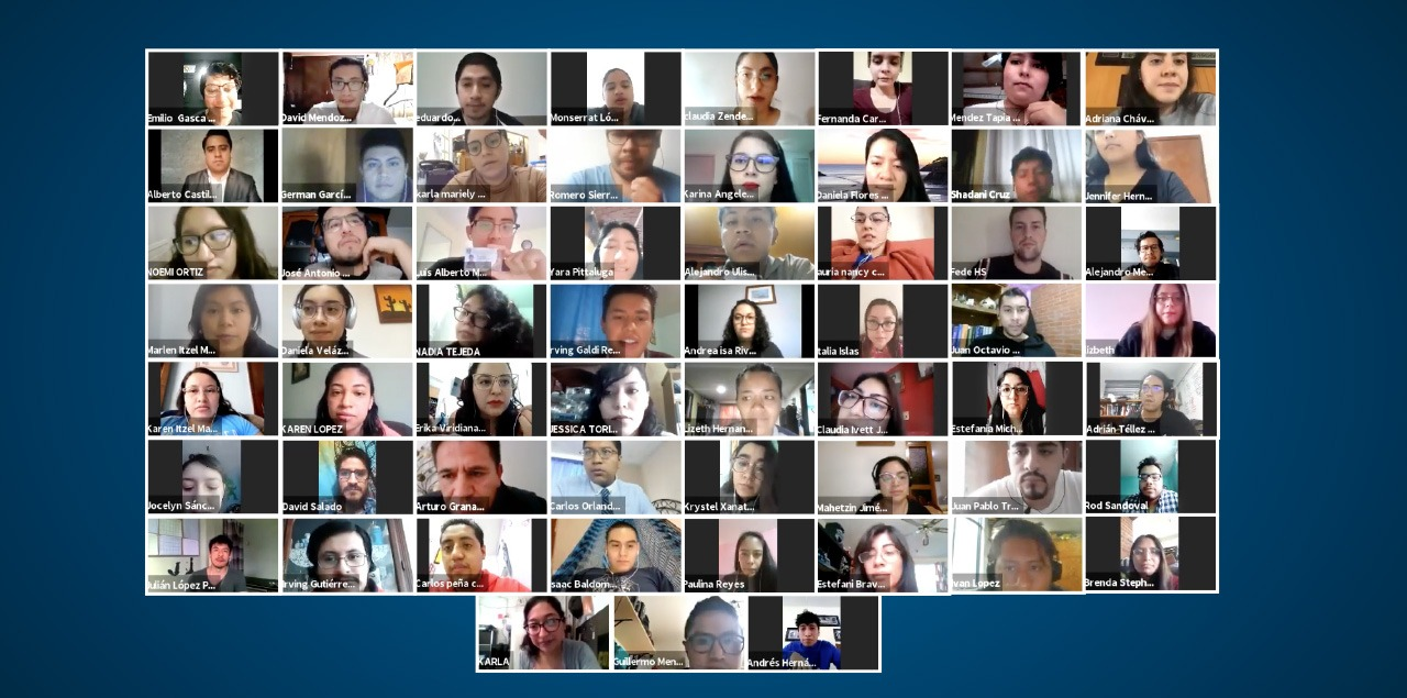 Pasantes de Medicina eligen plazas de Servicio Social de manera virtual