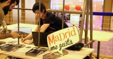 Madrid premia la labor de acogida de los profesionales en su estand de FITUR