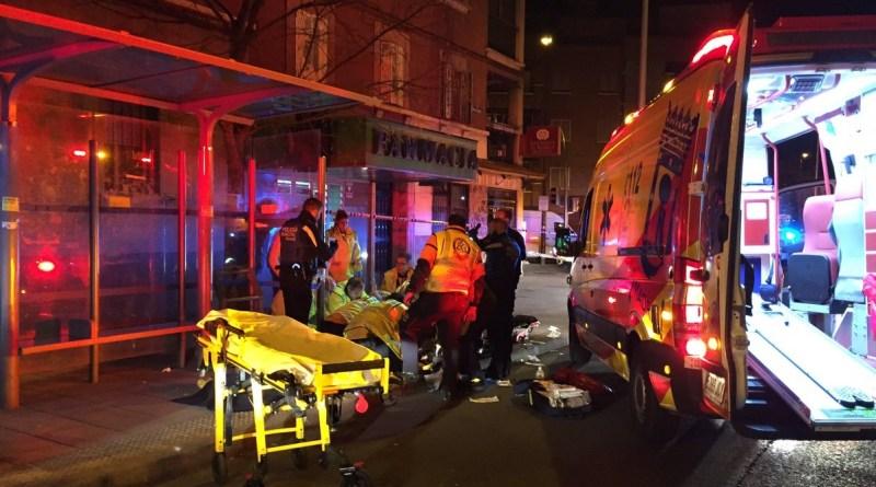 Intervencion del Samur, ambulancia y camilla