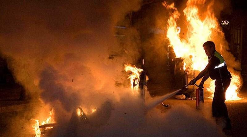 Detenido un hombre acusado de incendiar 13 contenedores y 7 vehículos en Carabanchel y Latina