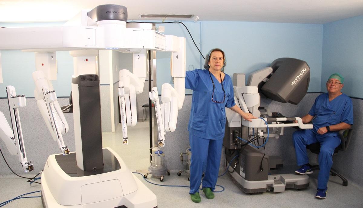 Un equipo del Hospital Clínico San Carlos interviene por primera vez a un niño con el robot Da Vinci