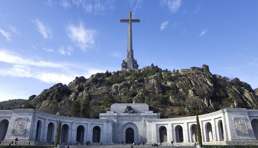 El Tribunal Supremo fija para el 24 de septiembre la votación y fallo sobre la exhumación de Franco