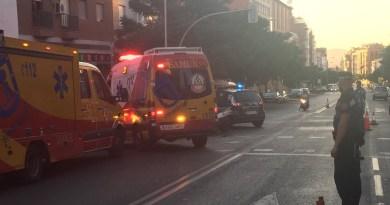 Dos heridos, uno de ellos grave, tras un accidente entre un turismo y una moto en Tetuán