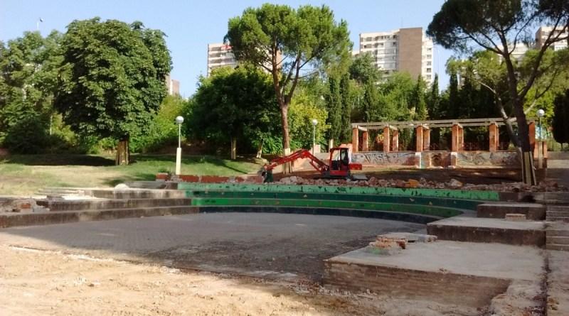 Dan comienzo las obras de rehabilitación del anfiteatro y los paseos del Parque de los Pinos en Tetuán