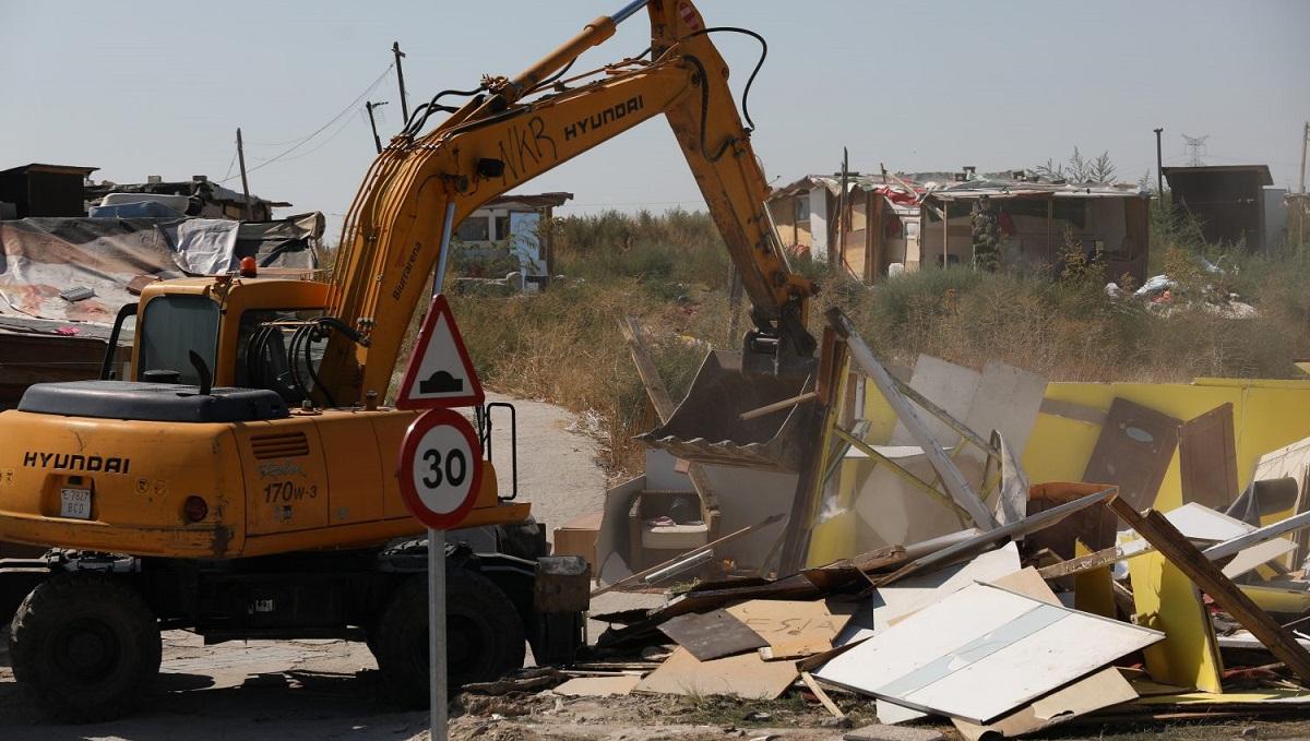 Comienza el desmantelamiento del poblado chabolista de 'El Gallinero'
