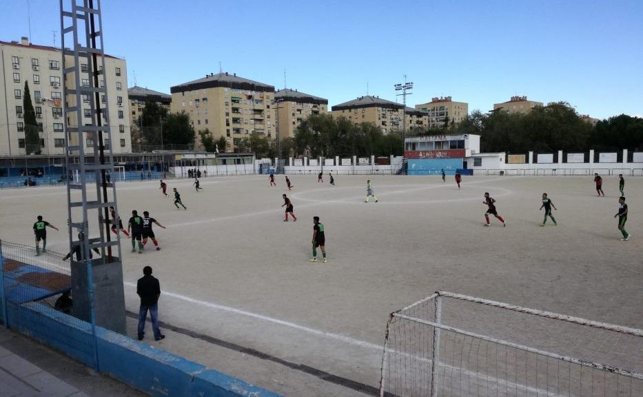 El Ayuntamiento de Madrid aprueba 3 millones de euros para remodelar el campo de fútbol de Orcasitas