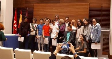 Un terraplén de Ciudad Lineal se convertirá en espacio de ocio gracias a una propuesta de cinco adolescentes del distrito