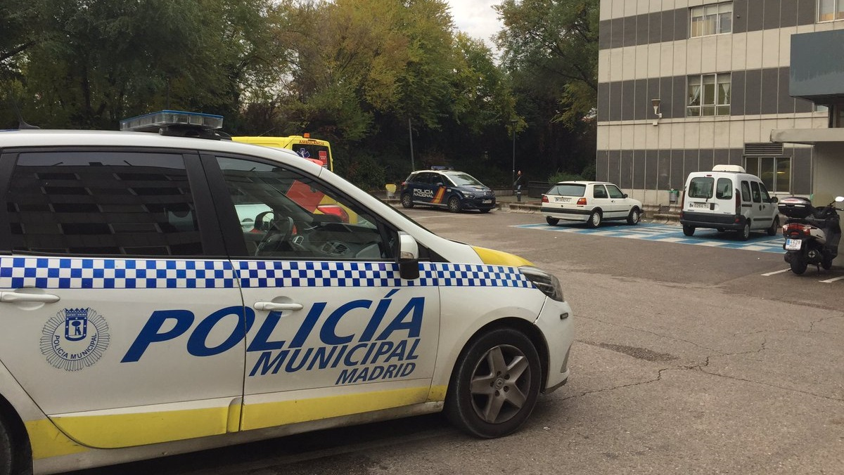Un hombre detenido por agredir a su pareja en Puente de Vallecas tras la llamada de alerta de su hija de 14 años
