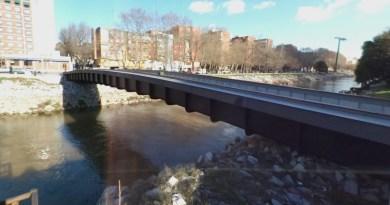 Madrid dedica una pasarela en el río Manzanares al ceramista José Manuel Sánchez Rios