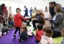 """Carmena visita la EI 'El Mamut de Villaverde' y reclama el fomento de la lectura """"desde la infancia"""""""