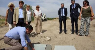 Se coloca la primera piedra de las nuevas instalaciones de Bomberos y SAMUR-PC en Vicálvaro