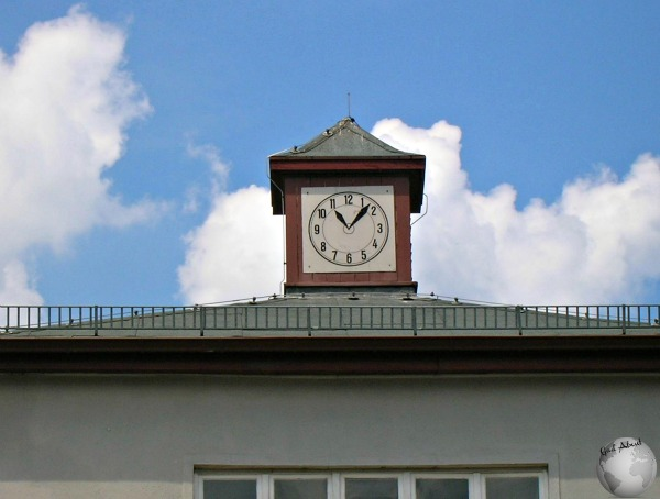 Clock-stopped at time of Liberation_2745268340096713974