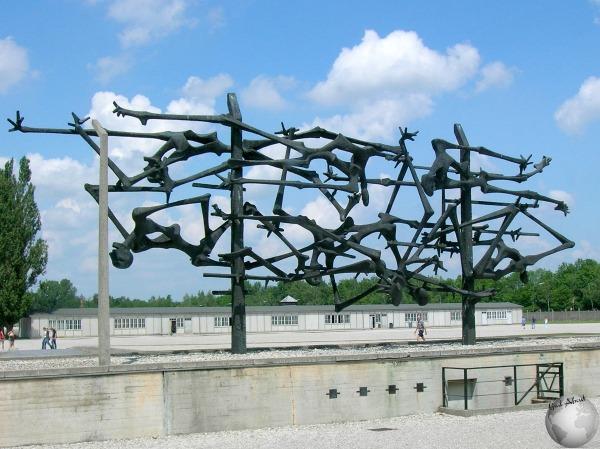 Dachau-Monument_2821886060096713974