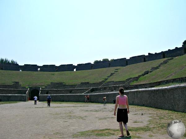 Pompeii-Amphitheater_DSCN1127