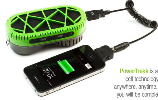 アウトドアユーザー必見 スマホを水で充電できる充電機 PowerTrekk(パワートレック)