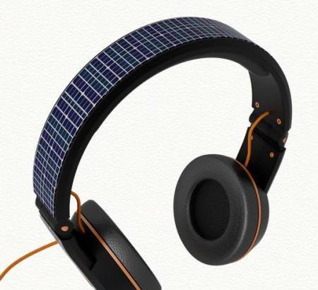一石二鳥、音楽を聴きながらスマホを充電してくれるヘッドホンOnBeat Solar Headphone
