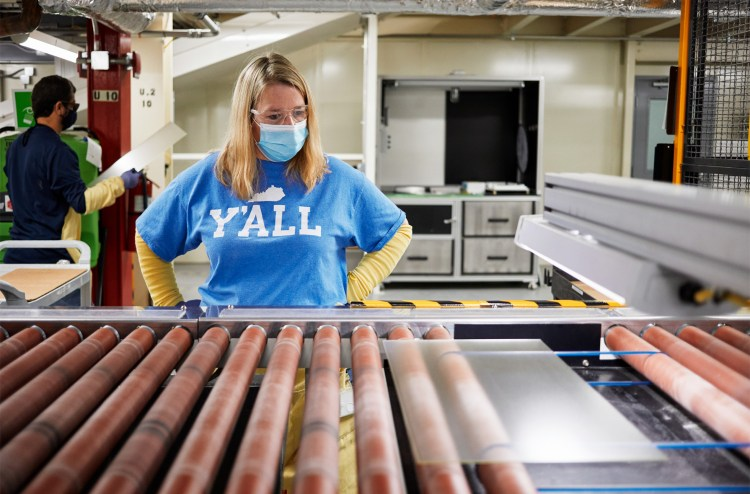 Apple Award $45 Million to iPhone Glass Supplier from its Advanced Manufacturing Fund