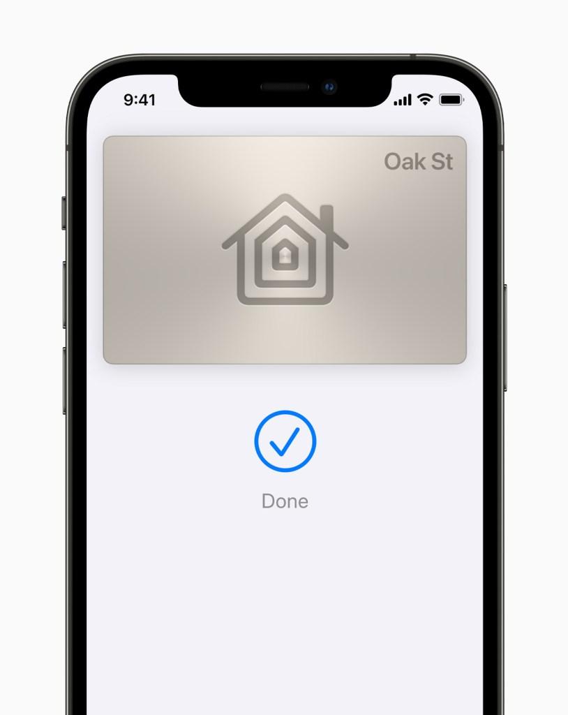 Apple iPhone12Pro iOS15 wallet homekeys 060721