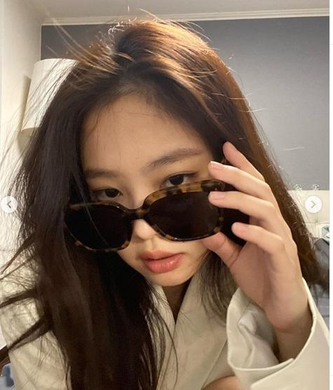Kejutkan Penggemar Jennie Lakukan Live Instagram Baren G Dragon