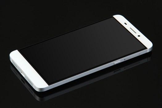 Letv One X600: Phablet Fashion RAM 3GB/32GB Helio X10 Hanya 2,6 Juta er