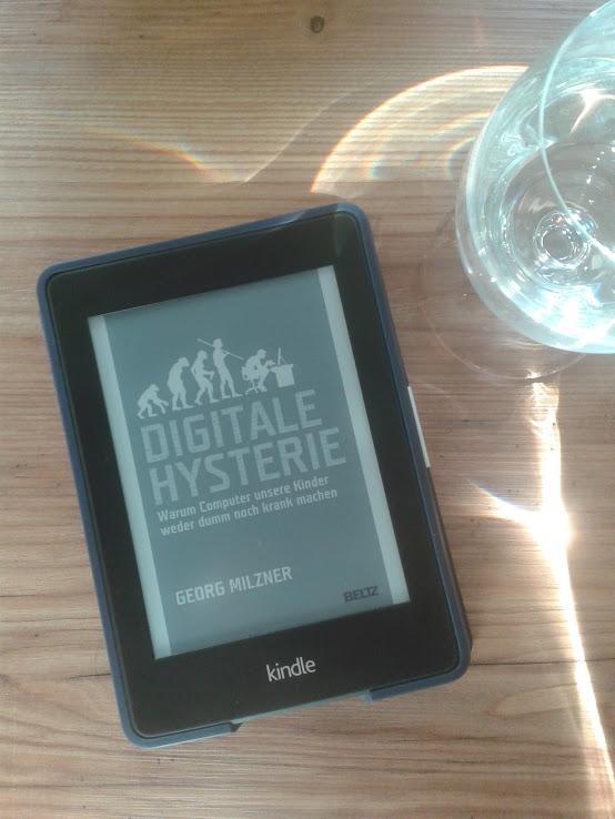 Foto vom Buch Digitale Hysterie