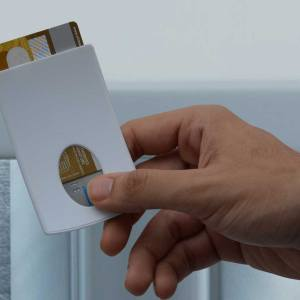 Pocket card holder (curvy design) (for credit cards)