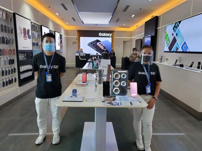 Samsung Experience Stores (3)