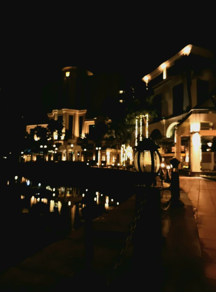 samsung-night-photography-guide-night-reflection-improved
