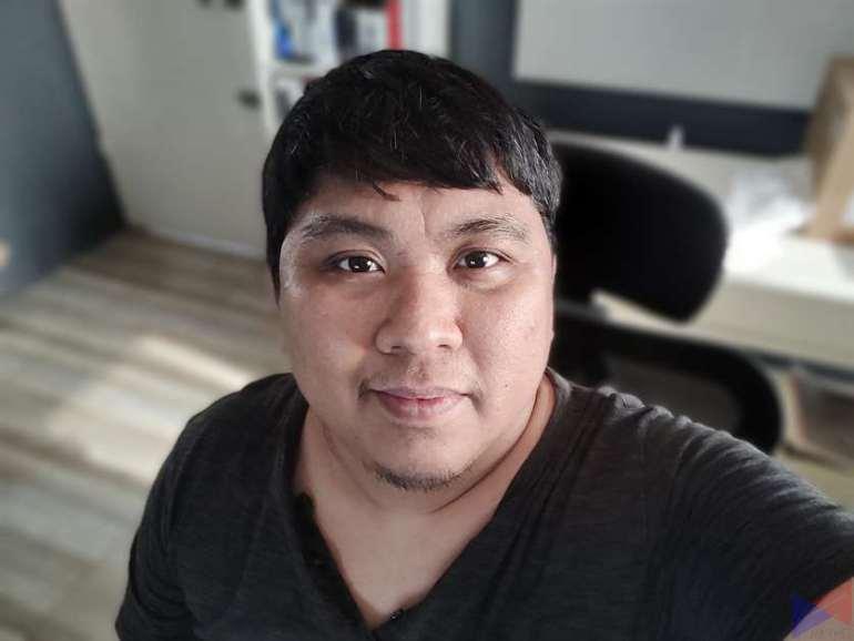 realme 8 Pro Selfie (2)