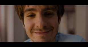 Andrew Garfield chases after a mysterious Riley Keough in the trippy new trailer…