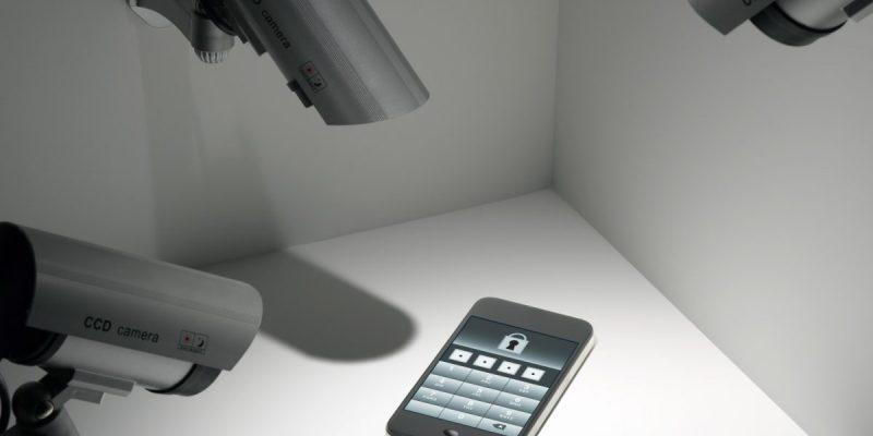 Police tap Phones