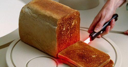 Couteau sabre laser à toast