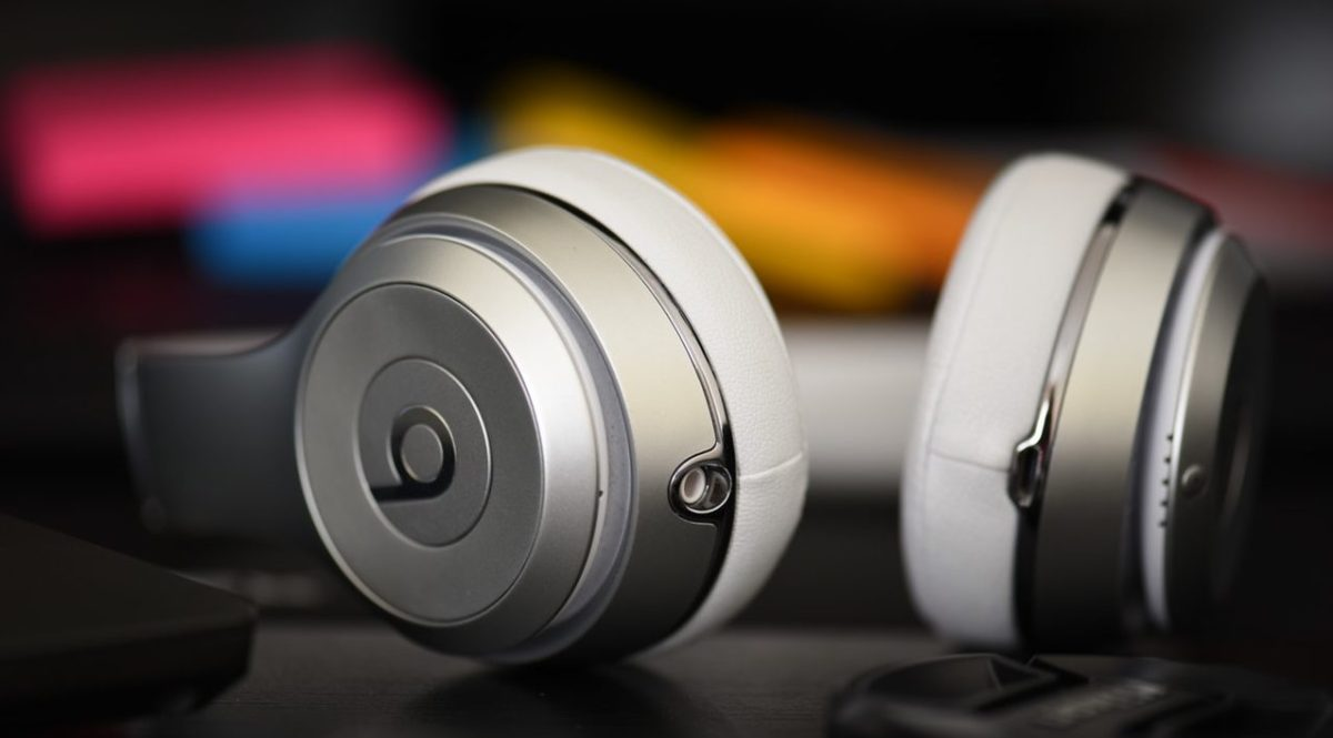 Top 10 Best wireless Headphones under INR 2000 in India 2018