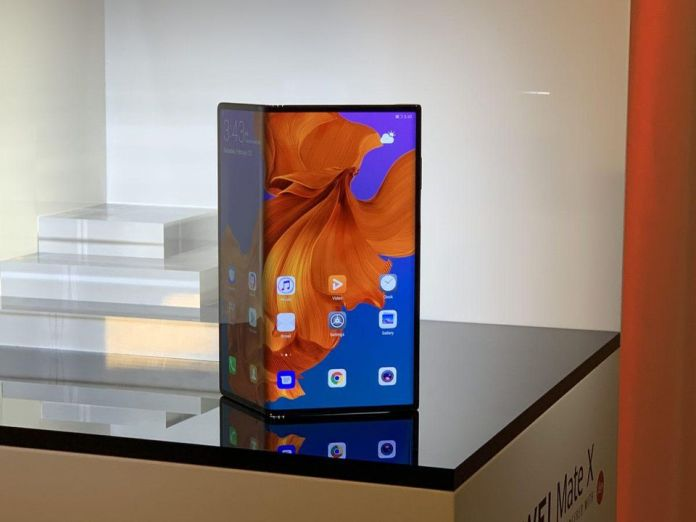 huawei-mate-x-first-foldable-phone