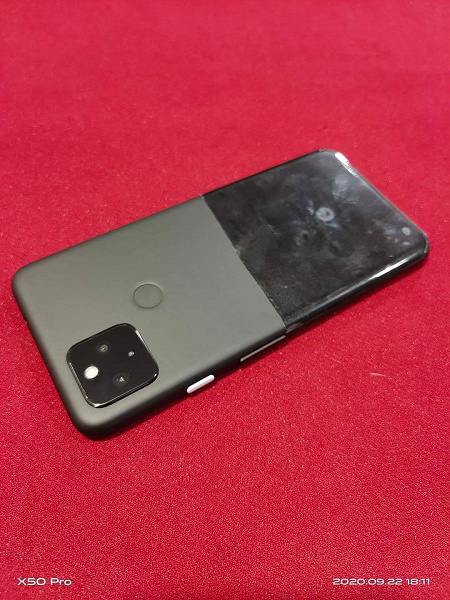 We will never see this Google Pixel 5. Live photo of prototype showcases unexpected design