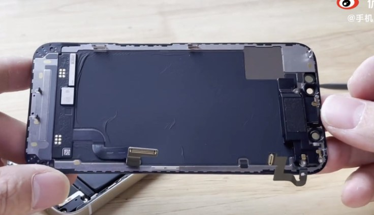 IPhone 12 mini disassembly - the most affordable and smallest Apple smartphone from the inside