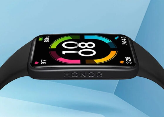 HONOR Band 6 fitness bracelet with NFC and frameless screen presented