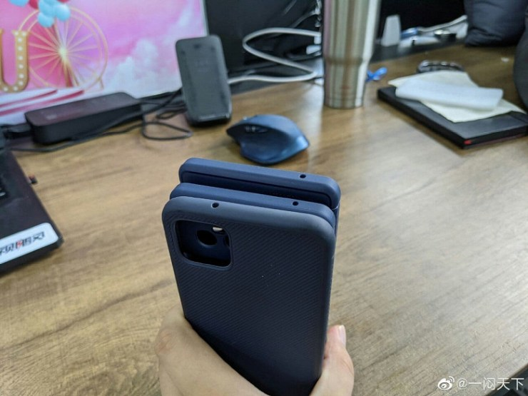 Comparative photos of Google Pixel 4 XL and Pixel 6 Pro cases show how much larger and more complex the camera of the new flagship is