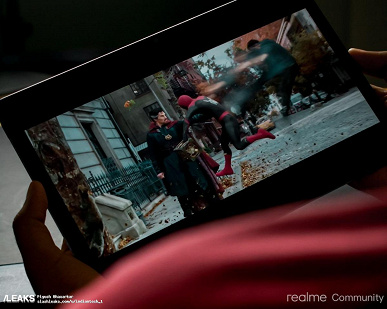 Very thin tablet Realme Pad showed in a large selection of live photos