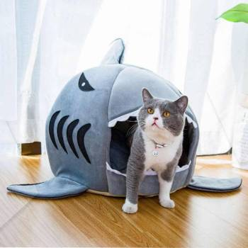 Warm Shark Shaped Pet House